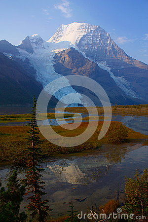 Free Morning Reflection Of Mount Robson, Mount Robson Provincial Park Royalty Free Stock Image - 88310906
