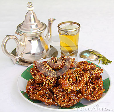 Free Morocco. Mint Tea And Typical Ramadan Biscuits Royalty Free Stock Photography - 41840517