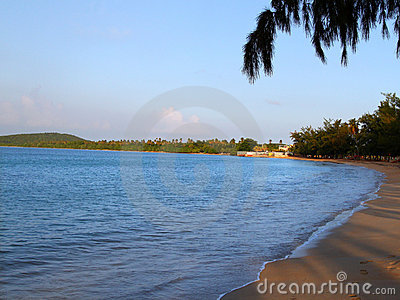 Morze plażowy zmierzch siedem