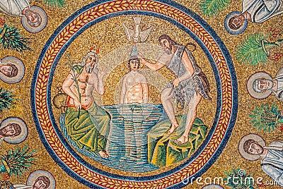 Qui était Jésus selon vous ? - Page 3 Mosa%C3%AFques-de-fresque-%C3%A0-ravenne-44097411