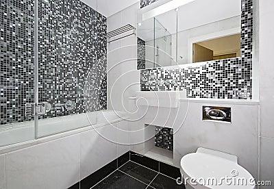 innenraum mit mosaik deckte badezimmer mit ziegeln lizenzfreies, Hause ideen