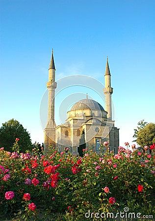Moschee mit zwei Minaretts
