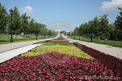 """Moscow. Museum  """"Tsaritsyno"""". Flower Alley."""