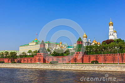 ensemble of the Moscow Kremlin and Moskva river