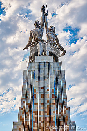 Free MOSCOW,RUSSIA-JULY 18,2016; Soviet Monument Worker And Collective Farm Girl In Moscow. Author Vera Mukhina Royalty Free Stock Photo - 76476315
