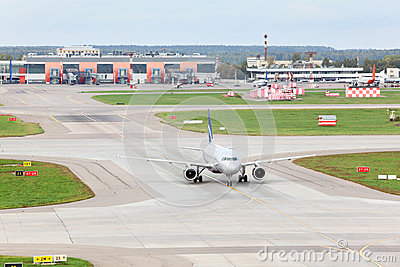 Airbus A320 prepares for take-off in Sheremetyevo Editorial Stock Image