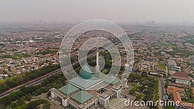 Mosque Al Akbar in Surabaya, Indonesië stock footage