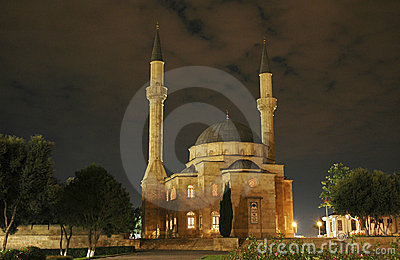 Mosque with two minarets at ni