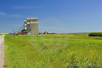 Mossleigh grain elevators