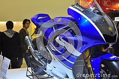 Mostra de motor de Yamaha YZR-M1 Tokyo Imagem Editorial