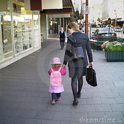 Free Mother And Daughter Royalty Free Stock Photo - 405305