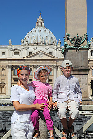 Mother, daughter and son on Piazza San Pietro