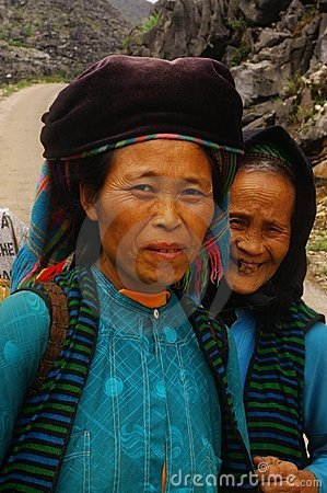 Mother and daughter of the White Hmong ethnic