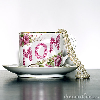 Free Mother S Day Tea Cup Pearls Sq Stock Images - 4592194