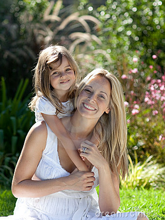 Free Mother With Her Daugther In Summer Outdoors Royalty Free Stock Images - 9138049