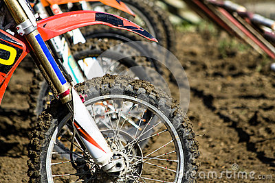 Motocross wheels start
