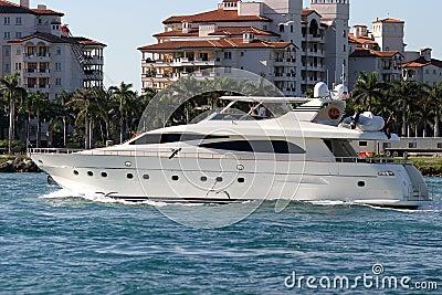 Motor boat leaving the marina, Florida