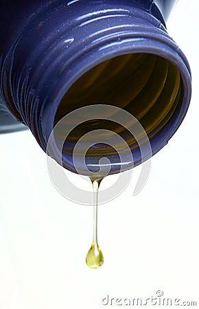 Motor Oil rom a plastic bottle