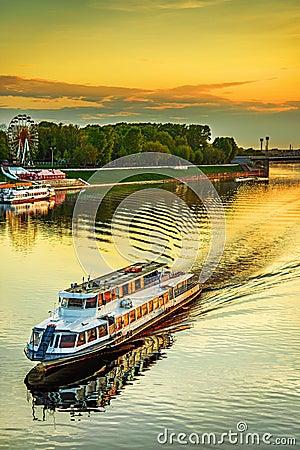 Free Motor Ship Sails On River Volga Stock Photo - 33149780