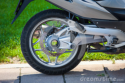 Motorbike rear wheel mechanism