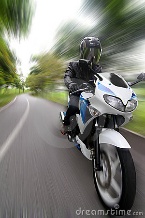 быстро проходить motorcyclist