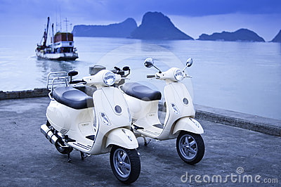 Motorcyklar vid havet