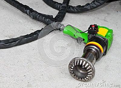 Motorsport tyre opener