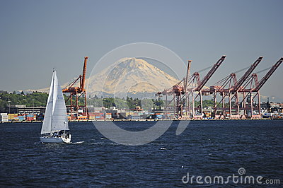 Mount Rainer and the Port of Seattle