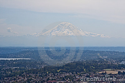 Mount Rainier In Seattle Royalty Free Stock Photo - Image: 16984155