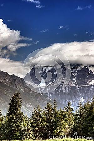 Free Mount Robson Royalty Free Stock Image - 9213166