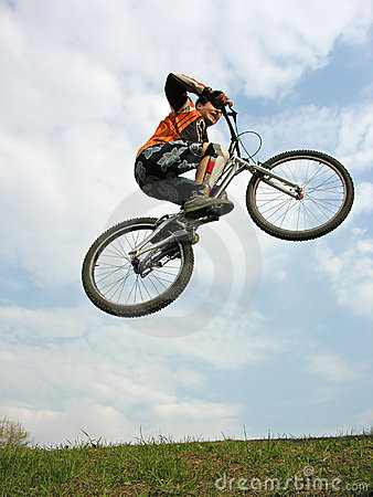 Free Mountain Biker Jumping Royalty Free Stock Photos - 782308