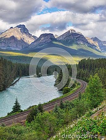 Free Mountain Range Landscape, Train Track, Canada Stock Photos - 83324043