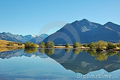 Mountain Reflection Landsacpe