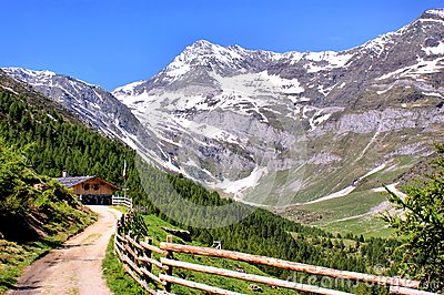 Mountain scenery in the Oetztal Alps
