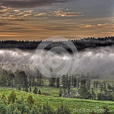 Free Mountains Foggy Landscape In HDR Royalty Free Stock Images - 61259359