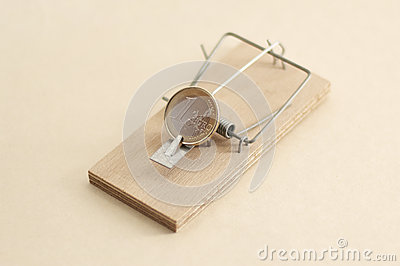 Mouse trap with Euro coin