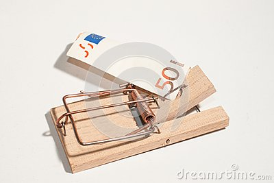 Mousetrap with 50-Euro-Note