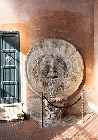 Free Mouth Of Truth In Rome Royalty Free Stock Image - 39702566