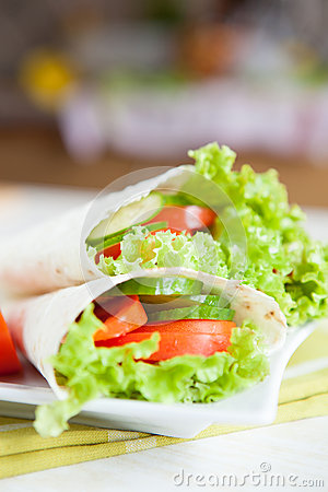 Mouthwatering Armenian lavash and fresh vegetables