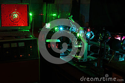 Movimento delle microparticelle dal laser in laboratorio