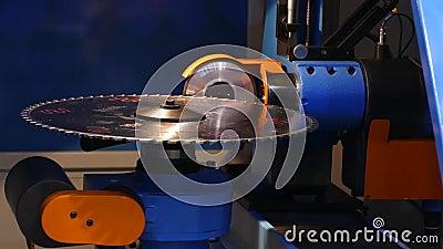 Movimento do cortador na máquina filme