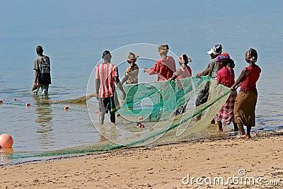 рыболовы mozambican Мозамбик Африки южный Редакционное Фотография