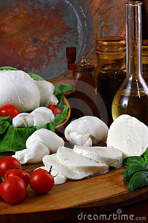 Free Mozzarella Royalty Free Stock Photos - 1417958