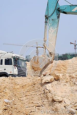 Máquina escavadora da torre