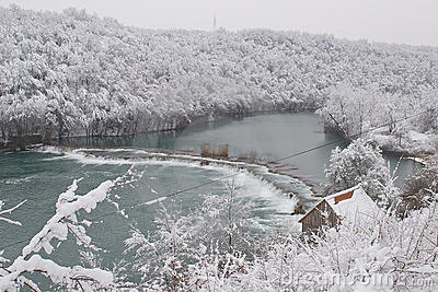 Mreznica river in Winter