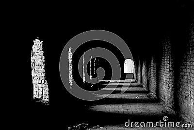 Mörk gammal passage