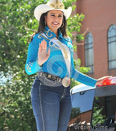 Free Mrs. Rodeo Wyoming Waving. Royalty Free Stock Photo - 108498045