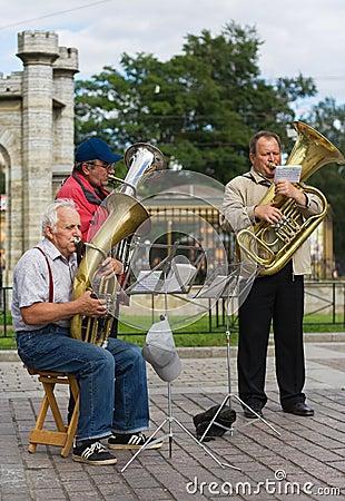 Músicos da rua Fotografia Editorial