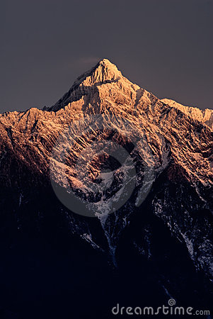 Free Mt. Jade Peak In Dawn Stock Image - 12648241