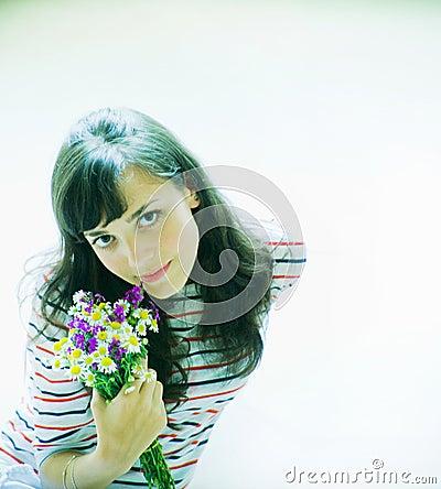 Muchacha con las flores